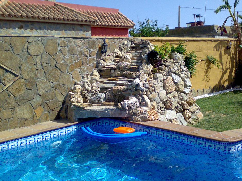 Paumar construcciones y reformas s l construccion de - Decoracion piscinas exteriores ...